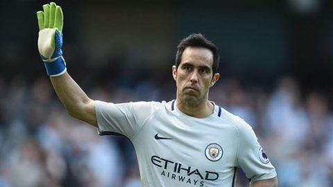Claudio Bravo Tampil Buruk, Manchester City Datangkan Kiper Anyar Kembali