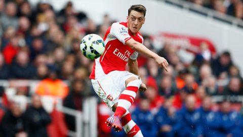 Mesut Ozil Tegaskan, Permainan Di Arsenal Sangat Keras