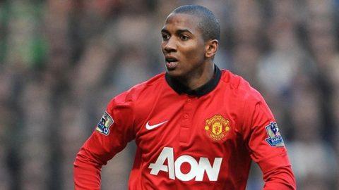 Tidak Sering Dimainkan, Ashley Young Minta Mourinho Untuk Melepasnya.