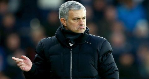 Jose Mourinho Sindir Seni Bertahan Chelsea