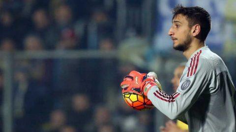 Keluarga Desak Gianluigi Donnarumma Terima Kontrak Baru AC Milan