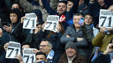 Alasan Tifosi Napoli Ejek Gonzalo Higuain Lewat Angka 71