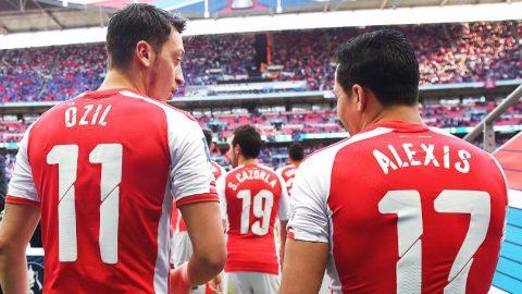 Arsene Wenger Tegaskan Mesut Ozil & Alexis Sanchez Bertahan Di Arsenal
