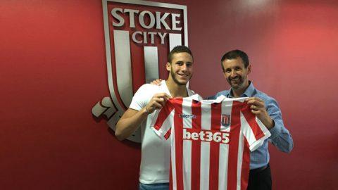 Stoke City Perbarui Kontrak Ramadan Sobhi