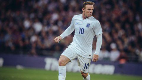 Roy Hogdson Yakin Wayne Rooney Akan Kembali Memperkuat Inggris