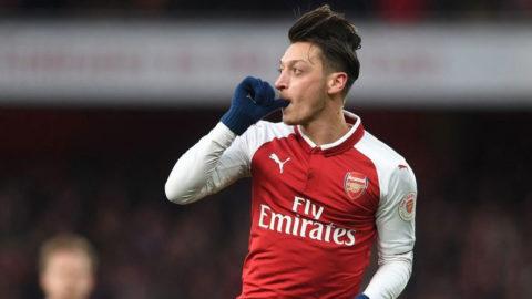 Ozil Akan Perpanjang Kontrak Di Arsenal