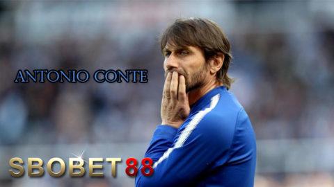 Didepak Chelsea, Antonio Conte Minta Kompensasi £9 Juta