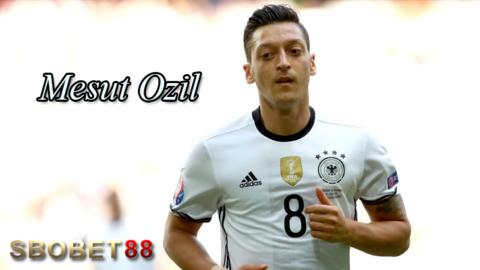 Mesut Ozil Butuh Waktu Untuk Lupakan Kegagalan Jerman