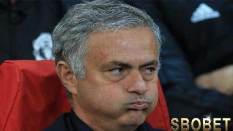 Jose Mourinho Akan Diganti