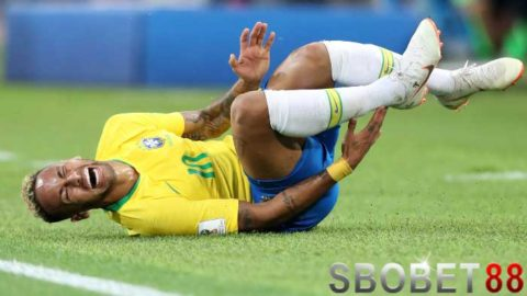 Liverpool Stress Melihat Neymar Mudah Terjatuh